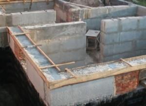 строительство из фундаментных блоков фото