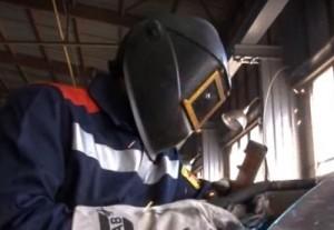фото работающего сварщика