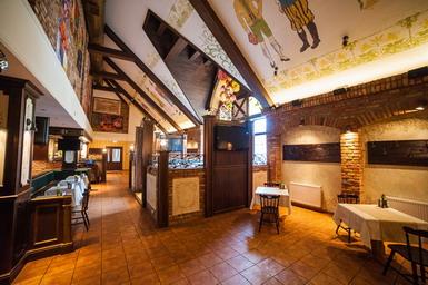 Фото иньерьера ресторанного дома